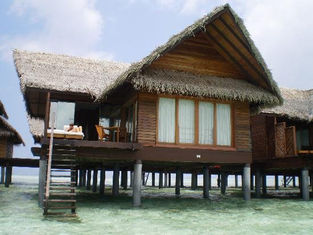 China Overwater Bungalow / Prefab House For Resort Water Bungalow supplier