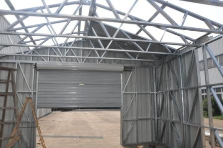 US Prefabricated Gable Steel Shed , Car Storage Sheds Steel Buildings