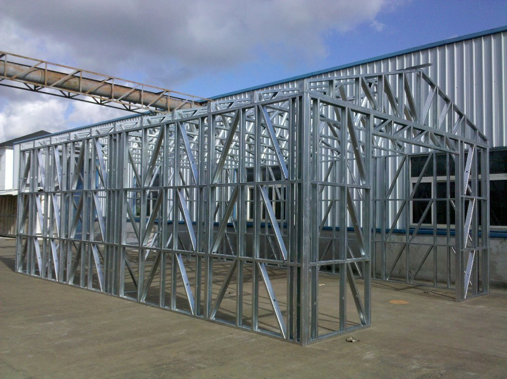 Fireproof Light Steel Frame Metal Car Shed With Steel Sheet Cladding
